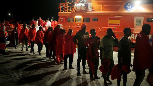 خفر السواحل الإسباني ينقذ 208 مهاجرين من أفريقيا