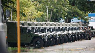 Hong Kong'da görüntülenen askeri konvoya Çin 'rutin rotasyon' dedi