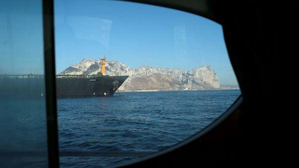 کشتی آدریان دریا
