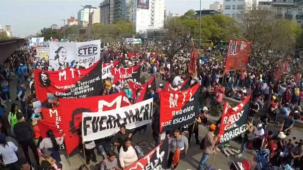 Argentina pede ao FMI para estender prazos de pagamento