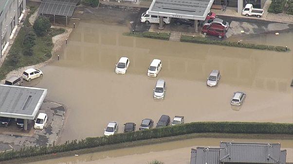 شاهد: أمطار غزيرة تضرب اليابان ومخاوف من الانزلاقات الأرضية