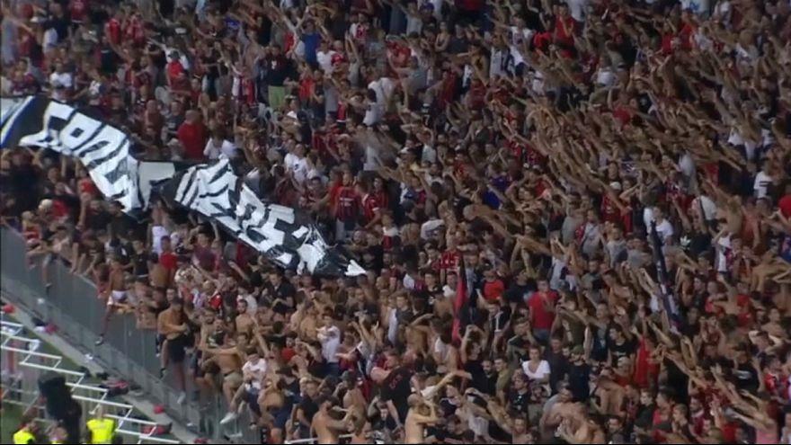 متوقف شدن یک مسابقه فوتبال در فرانسه به دلیل شعارهای ضد دگرباشی جنسی