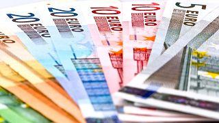 332 forint volt egy euró