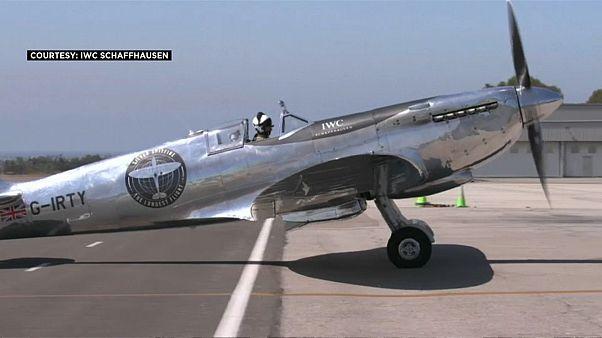 مقاتلة سوبرمارين سبتفاير في مطار في ولاية كاليفورنيا الأميركية