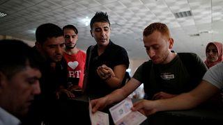 سكان غزة يلتمسون حياة أفضل في أوروبا.. رغم المخاطر