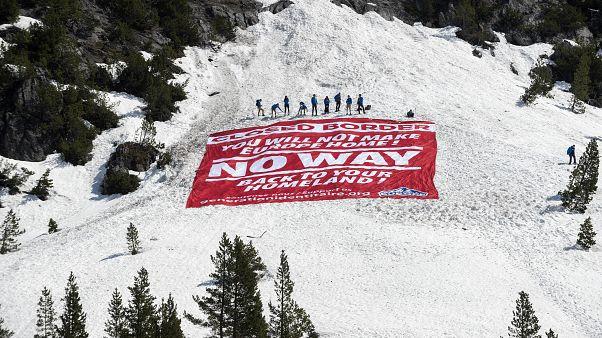 Generation Identitaire, condannato il gruppo di estrema destra per l'iniziativa sulle Alpi