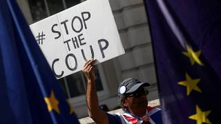 Brexit-csata utcán és bíróságon