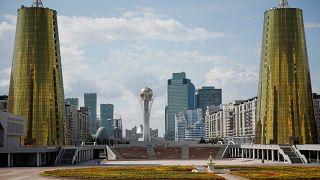 پانصدهزار شهروند قزاقستان از بازپرداخت بدهیهایشان معاف می شوند