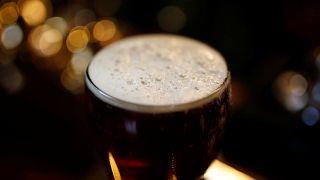 """Efes'e """"Zilli Sally"""" ve """"Delikanlı Henry"""" biraları nedeniyle boykot kampanyası"""