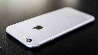 جهاز آي فون الذي تنتجه شركة أبّل الأميركية