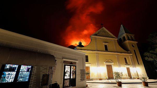 Αποκλεισμένο το Στρόμπολι λόγω του ηφαιστείου