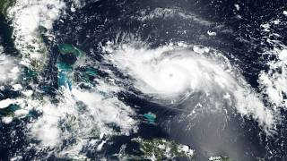 Florida: l'uragano Dorian si avvicina e fa paura