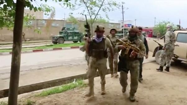 Afganistan'ın altıncı büyük kenti Kunduz, Taliban'ın eline geçti