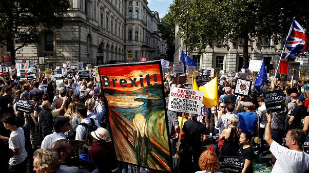 Protestas en todo el Reino Unido contra la medida de cerrar temporalmente el Parlamento