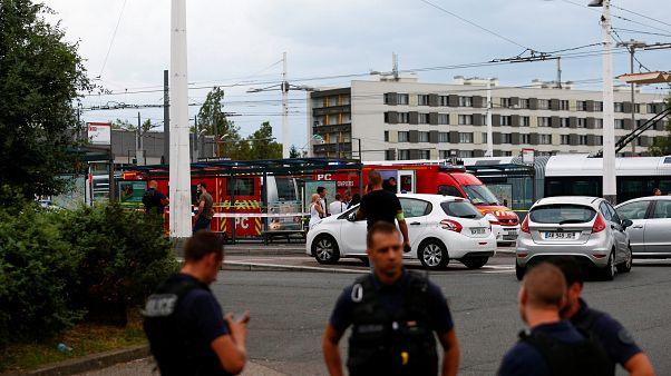 Késes támadás Lyonban