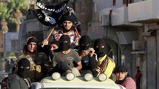 اعتقال أحد مسؤولي تنظيم الدولة الإسلامية في سوريا يشتبه بارتباطه باعتداءات باريس وبروكسل