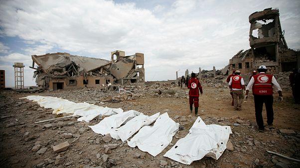 صلیب سرخ: در حمله ائتلاف به رهبری عربستان به زندانی در یمن بیش از ۱۰۰ نفر کشته شدند