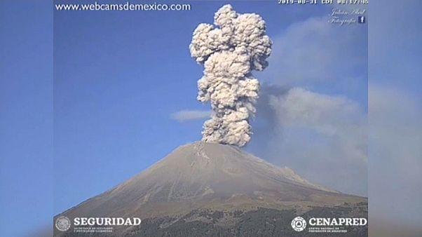 Eruptionen erschüttern den Popocatepetl