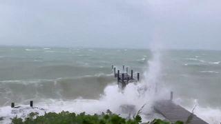 Saatte 295 km hızla ilerleyen Dorian Kasırgası Bahamaları vurdu