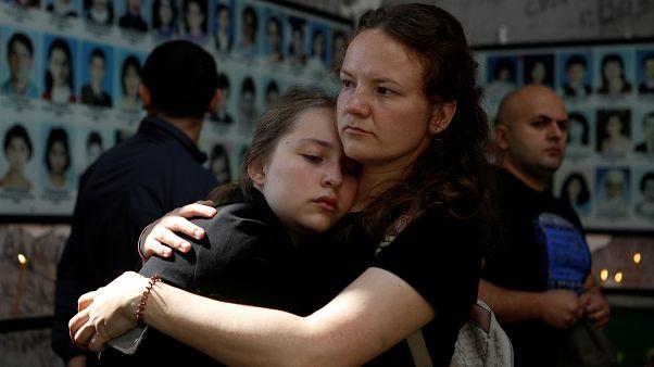 شاهد: أوسيتيا الشمالية تحيي ذكرى حادثة احتجاز الرهائن في بيسلان التي خلفت 300 قتيل