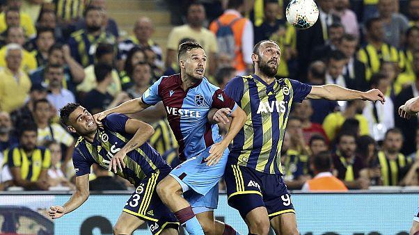 Fenerbahçe, Süper Lig'in 3. hafta maçında Trabzonspor ile Ülker Stadyumu'nda karşılaştı.