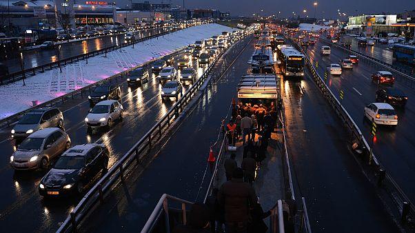 İstanbul'da gece metrobüs seferleri