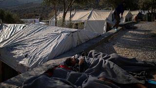 اليونان تسرع عمليات الترحيل لمواجهة أكبر تدفق للمهاجرين خلال 3 أعوام