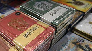 """مدرسة تزيل كتب هاري بوتر من مكتبتها لأنها تجلب """"أرواحاً شريرة"""""""
