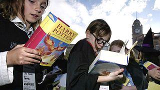 ABD'de Katolik okulu Harry Potter kitaplarını 'büyü' içerdiği gerekçesiyle yasakladı
