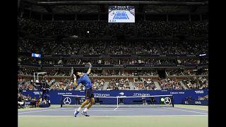 Djokovic gibt bei US Open verletzt auf - Wawrinka im Viertelfinale