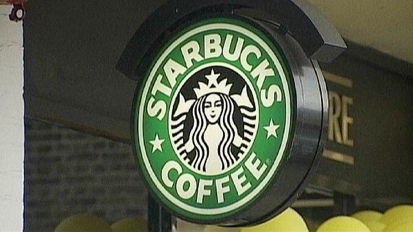 """بدلا من """"عزيز"""" كتبت """"داعش"""" على كوب القهوة .. أمريكي يفكر في مقاضاة """"ستاربكس"""" بسبب التمييز"""