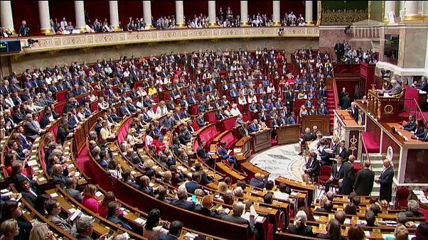 دولت فرانسه میخواهد شمار نمایندگان پارلمان را ۲۵ درصد کاهش دهد