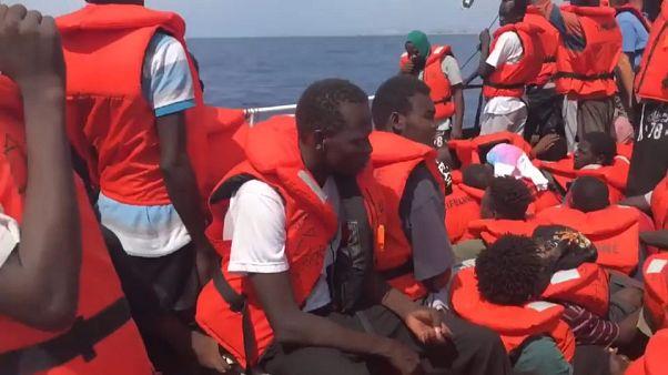 Ιταλία: Κατάσχεση γερμανικού πλοίου που μετέφερε διασωθέντες πρόσφυγες