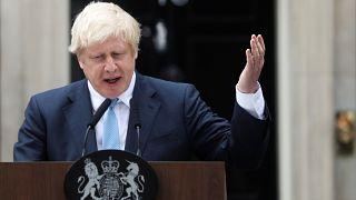 Boris Johnson depois da reunião de emergência do governo