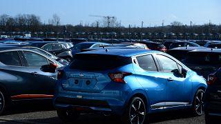 A franciák és spanyolok is kevesebb új autót vettek, mint korábban