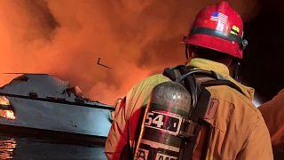 Καλιφόρνια: Σκάφος παραδόθηκε στις φλόγες - Δεκάδες νεκροί