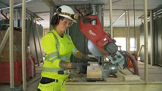 Стройки Норвегии приглашают работать больше женщин