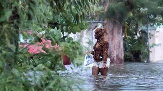 Dorian Kasırgası nedeniyle en az 5 kişi hayatını kaybetti, 13 bin ev hasar gördü