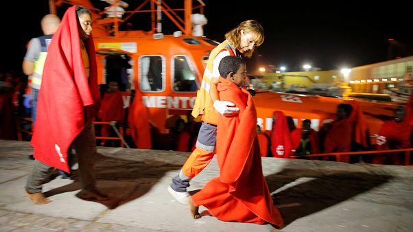 España: Salvamento Marítimo rescata a casi 200 migrantes del Estrecho de Gibraltar