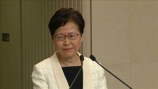 La jefa del Ejecutivo de Hong Kong descarta su dimisión