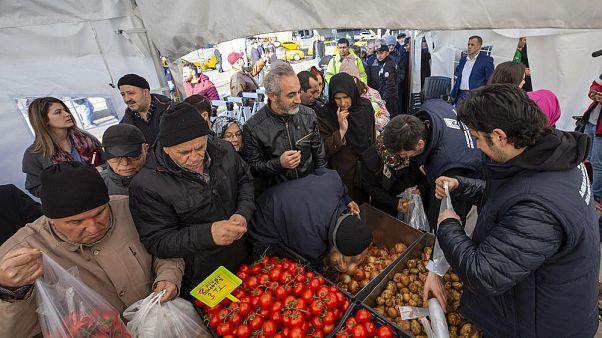 Enflasyon ağustos ayında artarak yüzde 15.1 oldu: Zam şampiyonu salatalık
