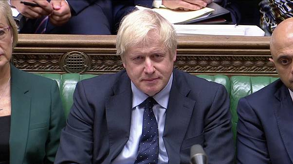 Parlamento britannico: un deputato lascia, Boris Johnson perde la maggioranza assoluta