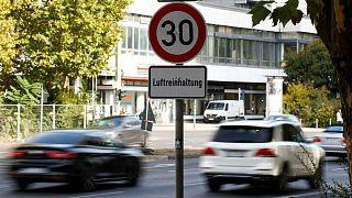 ألمانيا: تحركاتٌ قضائية لتشريع عقوبة السجّن بحقّ السياسييّن المتهاونين في حماية البيئة