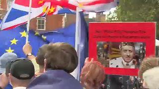 ΕΕ: Ευρωβουλευτές και Κομισιόν για την πολιτική κρίση στη Βρετανία