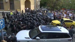 Aktivisten nach Massenfestnahmen in Moskau verurteilt