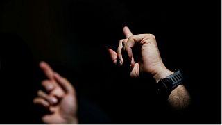 شبکه ملی ناشنوایان: زبان اشاره مورد استفاده در تلویزیون ایران مفهوم نیست