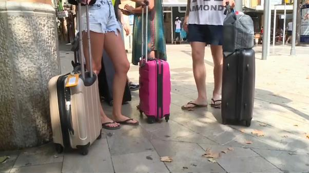 Un Brexit duro golpearía al sector turístico en España