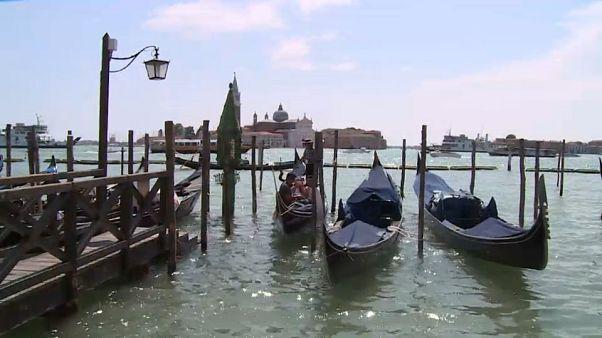 """Venezia """"smoke free"""": è l'idea di Brugnaro """"per il rispetto verso la città e verso le persone"""""""