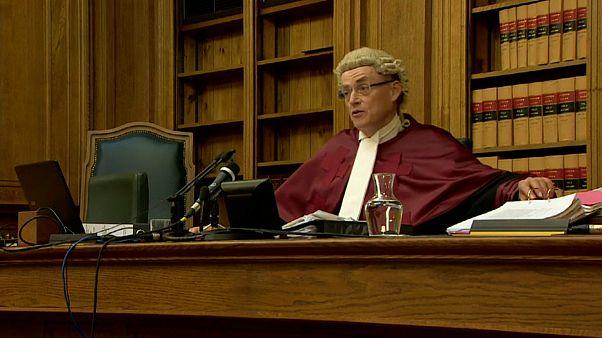 Шотландский суд: Джонсон закон не нарушил