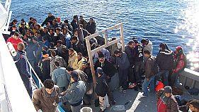 پناهجویان در فرانسه از ماه نوامبر قدرت دریافت پول نقد را نخواهند داشت